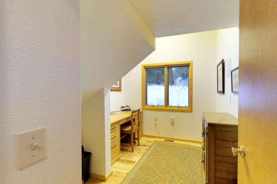 Cabin Fever - McCall Vacation Rental - Photo 28