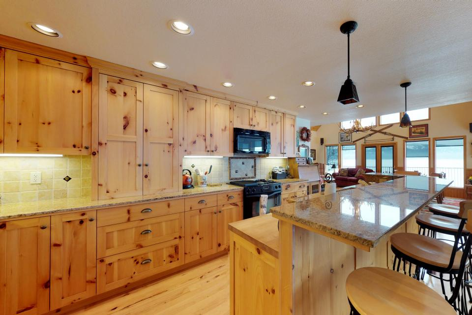 Cabin Fever - McCall Vacation Rental - Photo 6