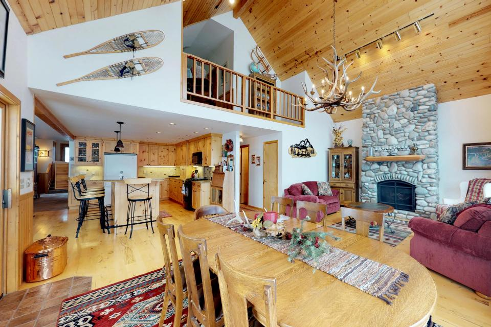 Cabin Fever - McCall Vacation Rental - Photo 2