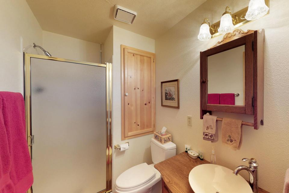 Cabin Fever - McCall Vacation Rental - Photo 24