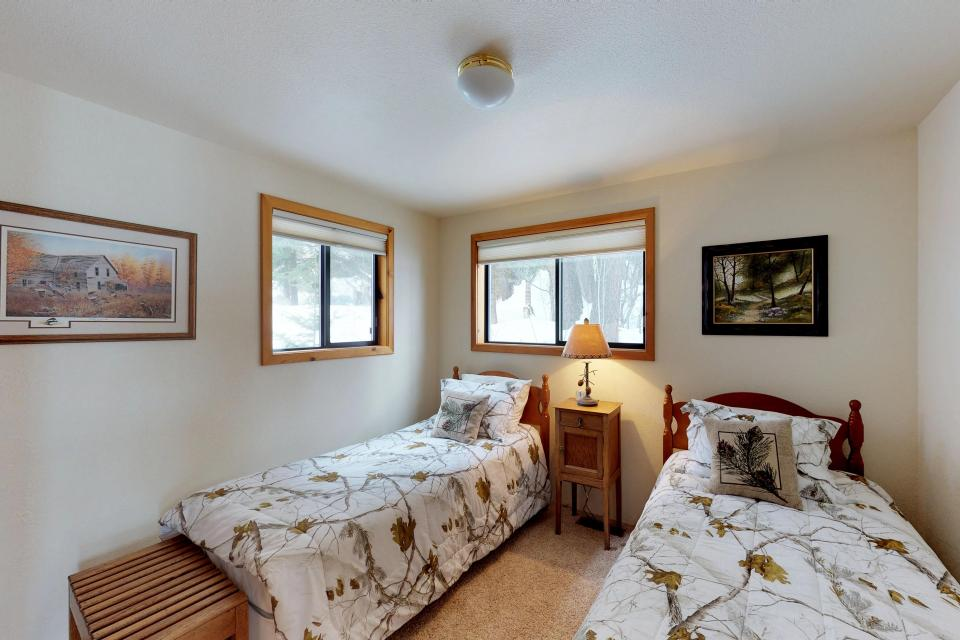Cabin Fever - McCall Vacation Rental - Photo 12