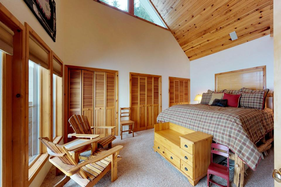 Cabin Fever - McCall Vacation Rental - Photo 8