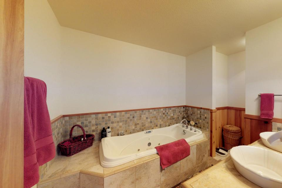 Cabin Fever - McCall Vacation Rental - Photo 15