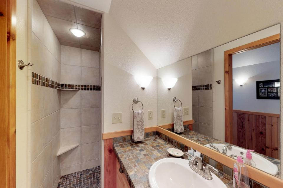 Cabin Fever - McCall Vacation Rental - Photo 10