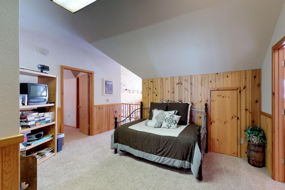 Cabin Fever - McCall Vacation Rental - Photo 7