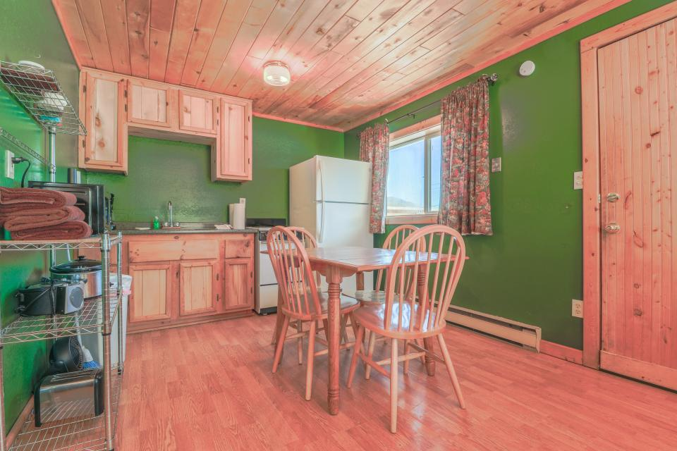 Fox Cabin - South Fork Vacation Rental - Photo 3
