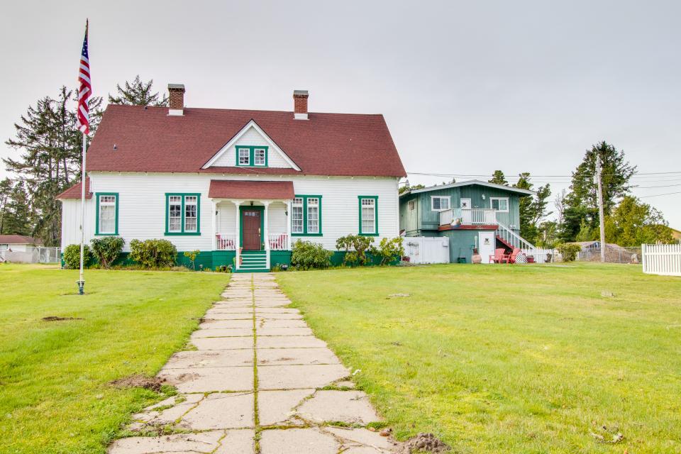 # 309 Historic Coast Guard Station - Keeper's Quarters - Ocean Park Vacation Rental - Photo 15