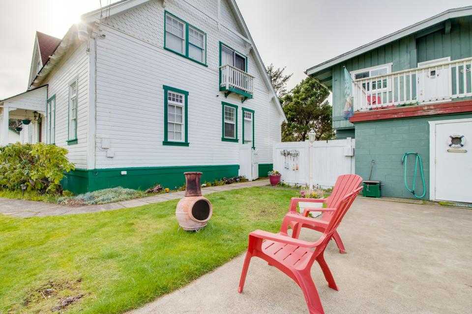 # 309 Historic Coast Guard Station - Keeper's Quarters - Ocean Park Vacation Rental - Photo 19