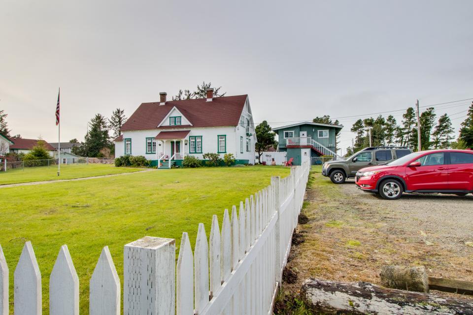 # 309 Historic Coast Guard Station - Keeper's Quarters - Ocean Park Vacation Rental - Photo 24
