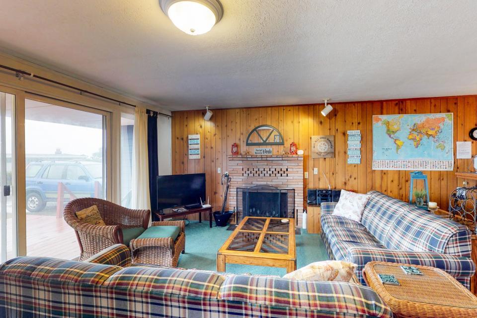 Corona - Waldport Vacation Rental - Photo 6