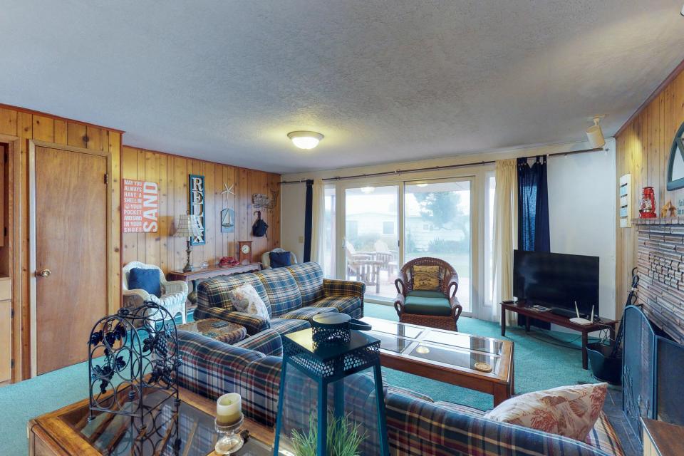Corona - Waldport Vacation Rental - Photo 8