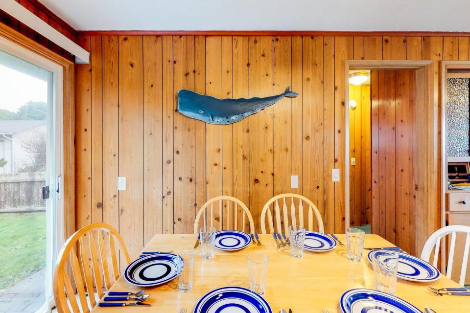 Corona - Waldport Vacation Rental - Photo 9