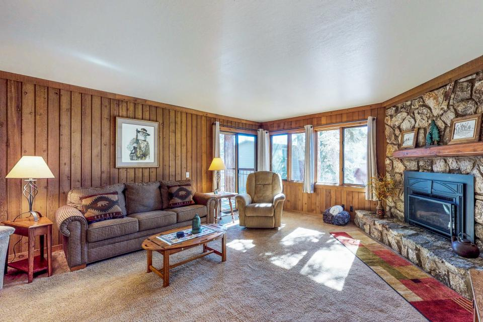 Mountainback 47 - Mammoth Lakes - Take a Virtual Tour