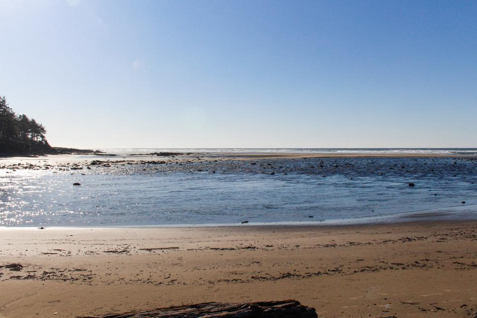 Hidden Luxury Beachfront Estate - Yachats Vacation Rental - Photo 59