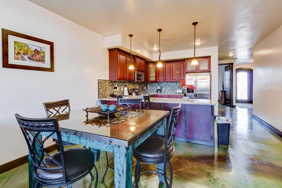 La Dolce Vita Villas - Luna Azul - Moab Vacation Rental - Photo 12