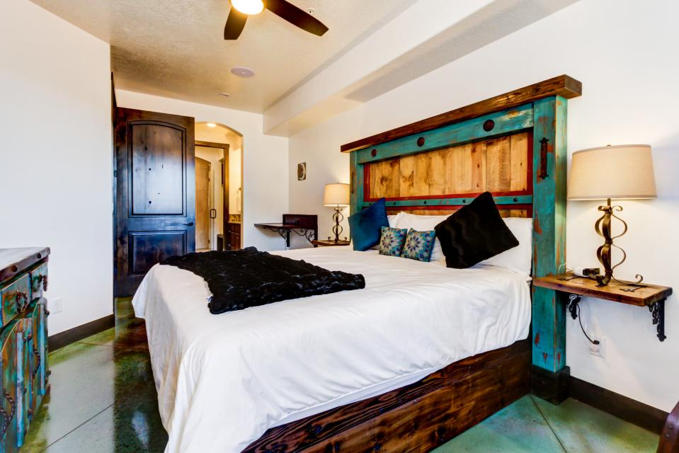 La Dolce Vita Villas - Luna Azul - Moab Vacation Rental - Photo 24