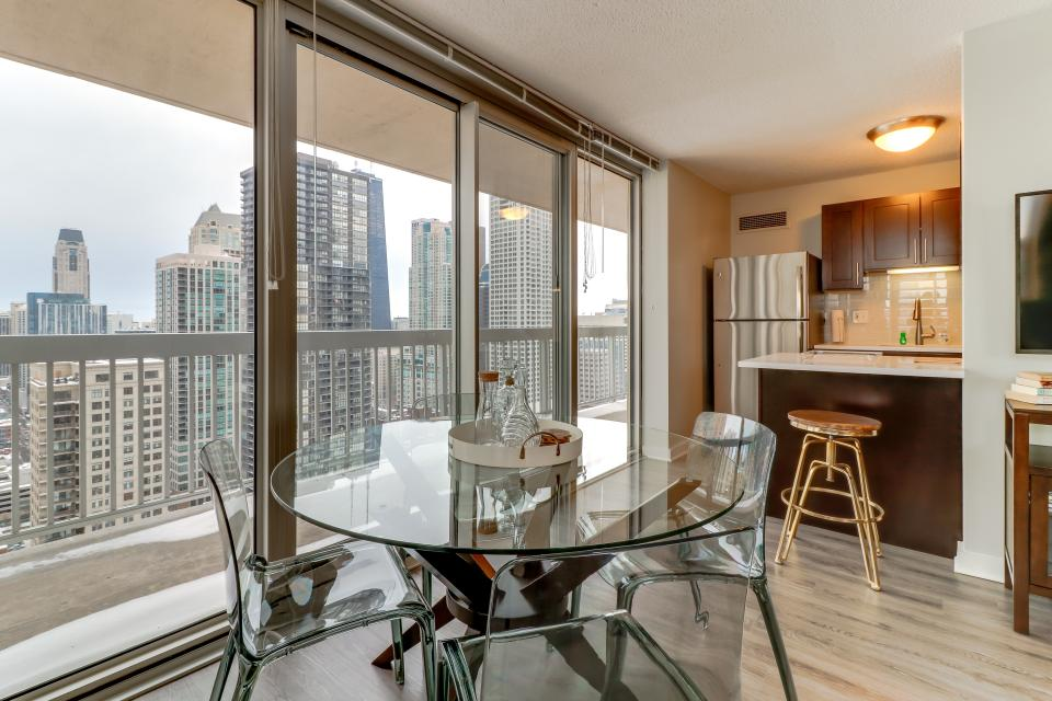 Second City Suite - Chicago Vacation Rental - Photo 4
