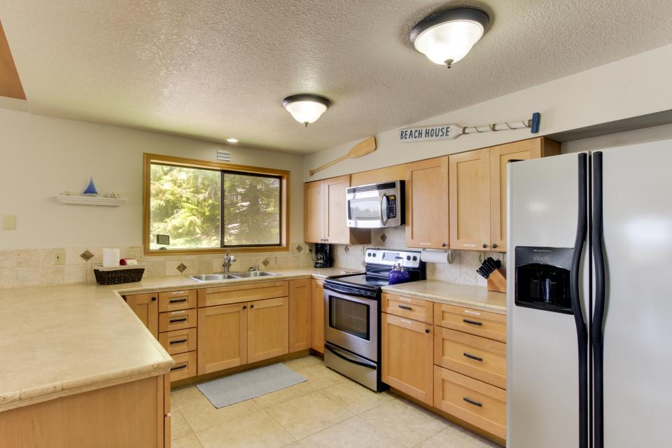 Playa Cannon - Cannon Beach Vacation Rental - Photo 12