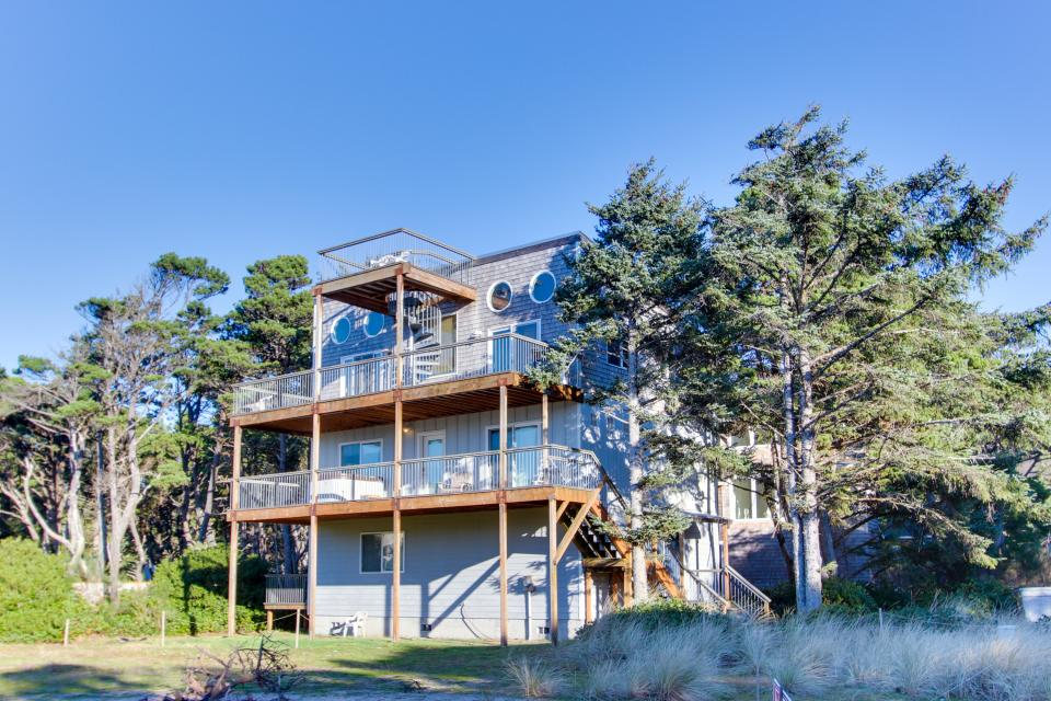 Grey Haven - Rockaway Beach Vacation Rental - Photo 1