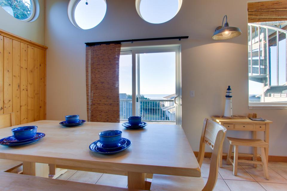 Grey Haven - Rockaway Beach Vacation Rental - Photo 9