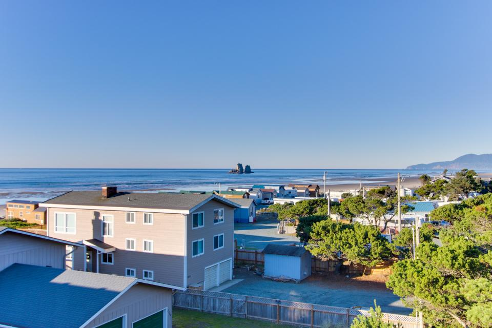 Grey Haven - Rockaway Beach Vacation Rental - Photo 33