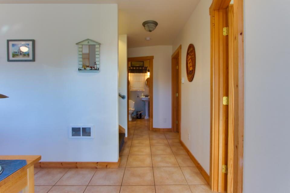 Grey Haven - Rockaway Beach Vacation Rental - Photo 44