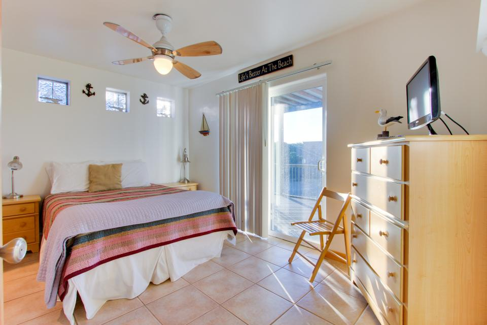 Grey Haven - Rockaway Beach Vacation Rental - Photo 15