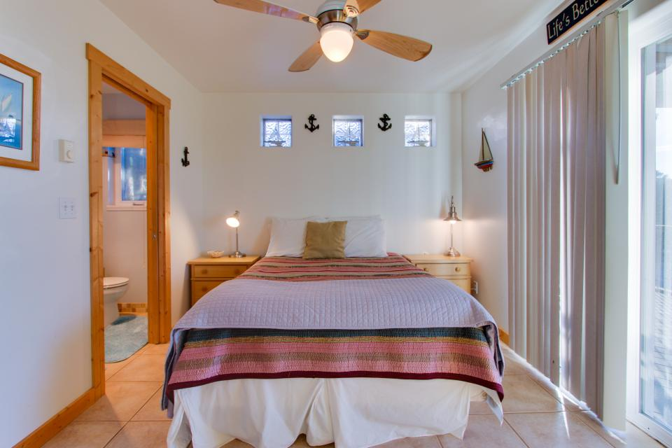 Grey Haven - Rockaway Beach Vacation Rental - Photo 45