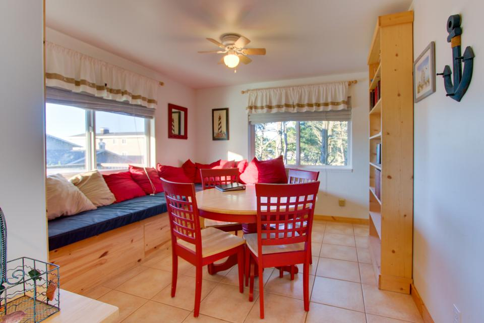 Grey Haven - Rockaway Beach Vacation Rental - Photo 18