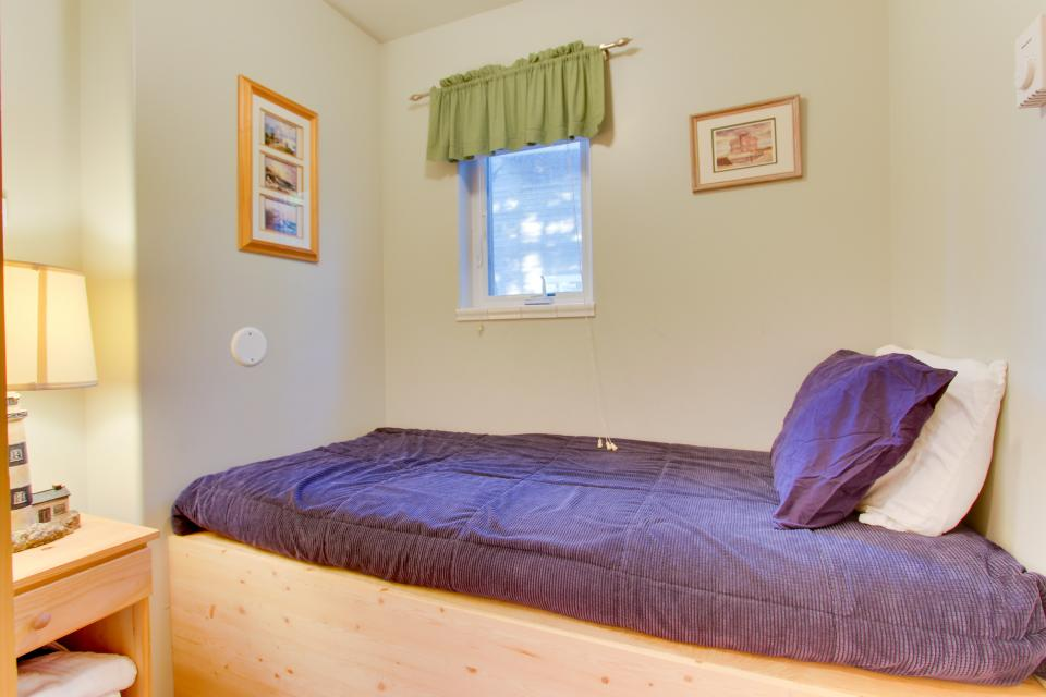 Grey Haven - Rockaway Beach Vacation Rental - Photo 27