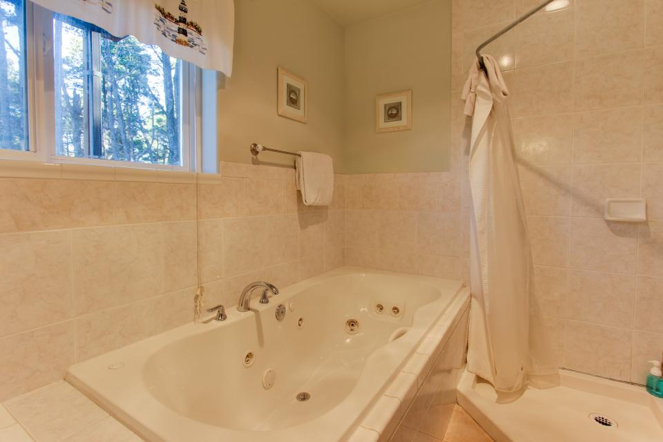Grey Haven - Rockaway Beach Vacation Rental - Photo 30