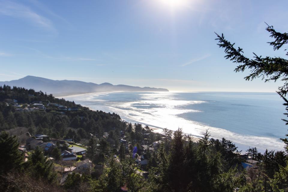 Sky Beach Cabin #2 - Oceanside Vacation Rental - Photo 16