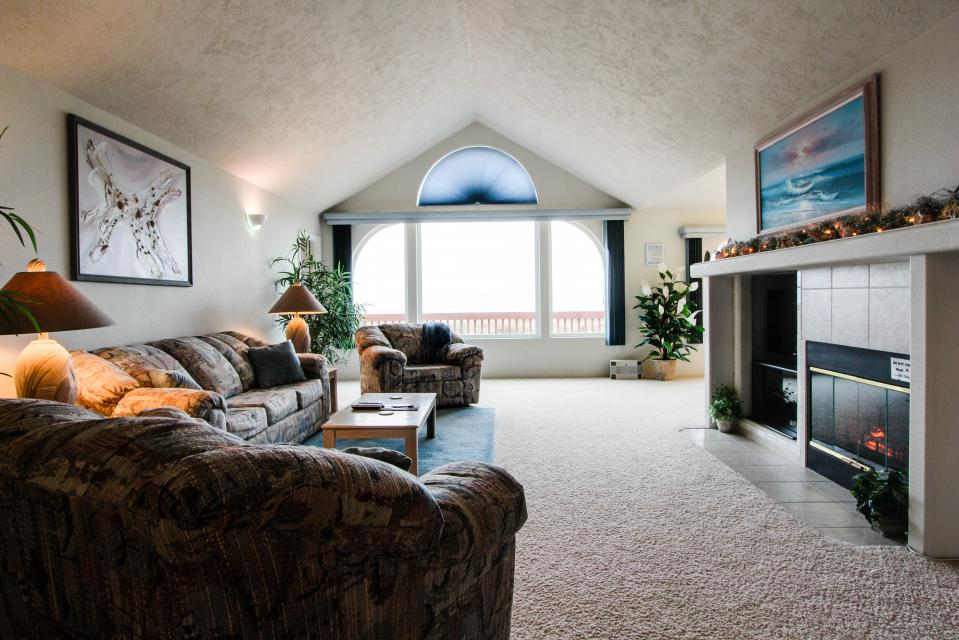 Ebb Tide 3 Bd Vacation Rental In Waldport Or Vacasa