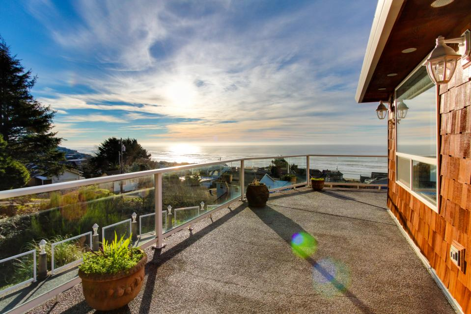 Neptune's Lookout - Lincoln City Vacation Rental - Photo 40