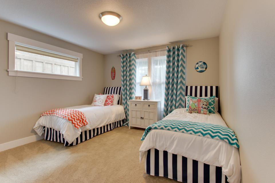 Happy-Ours Beach House - Cannon Beach Vacation Rental - Photo 17