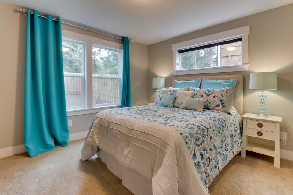 Happy-Ours Beach House - Cannon Beach Vacation Rental - Photo 14