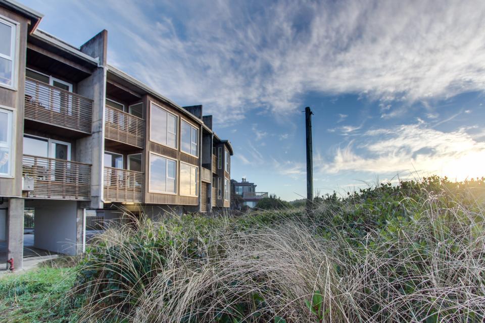 The Oyster Bay Condo #107 - Rockaway Beach Vacation Rental - Photo 25