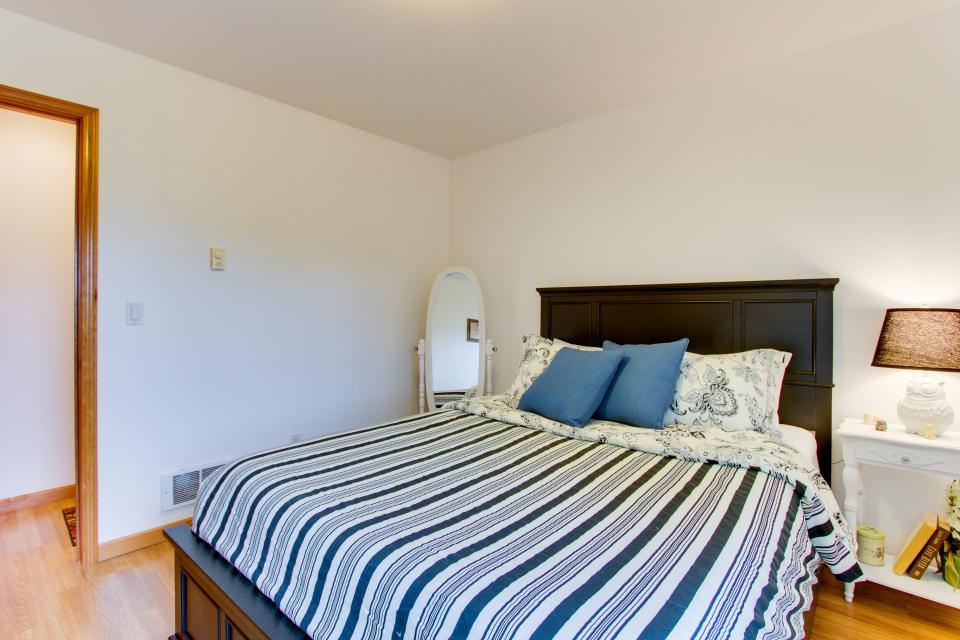 Edgewood Retreat - Seaside Vacation Rental - Photo 20