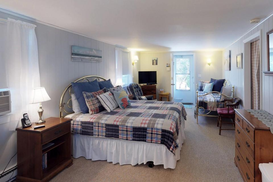 Beach Rose Guest Studio - Orleans Vacation Rental - Photo 2