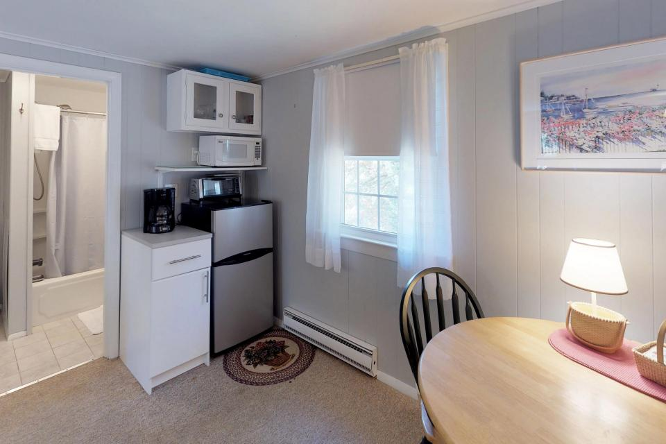 Beach Rose Guest Studio - Orleans Vacation Rental - Photo 11