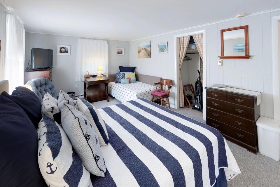 SeaWind Guest Studio - Orleans Vacation Rental - Photo 15