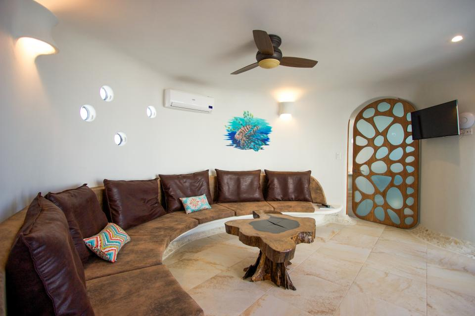 Lion Fish Retreat @ Swan Villas - Placencia - Take a Virtual Tour