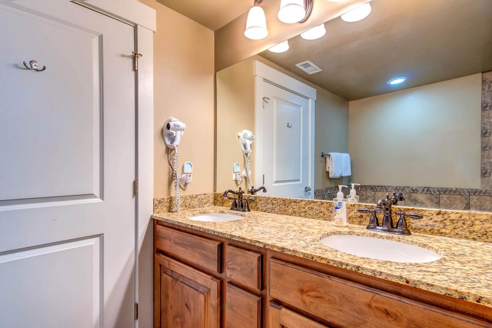 Cozy Bear Hollow Condo - Park City Vacation Rental - Photo 24