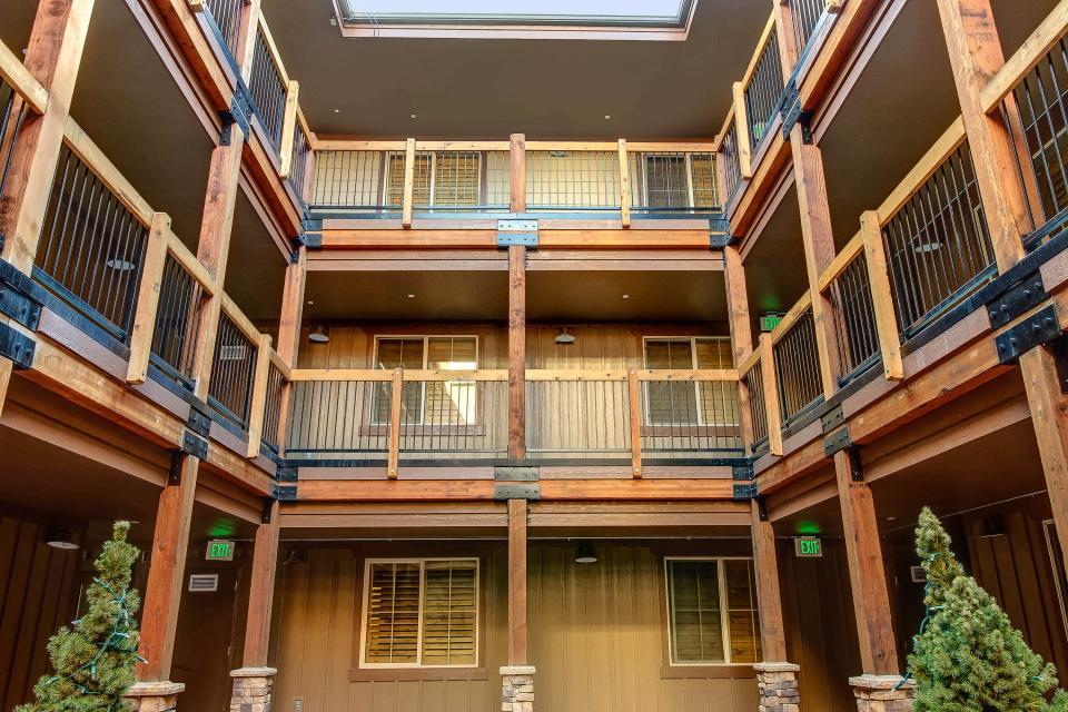 Luxury Bear Hollow Condo - Park City Vacation Rental - Photo 21