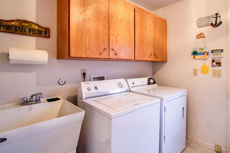 Taft Beach House - Lincoln City Vacation Rental - Photo 14
