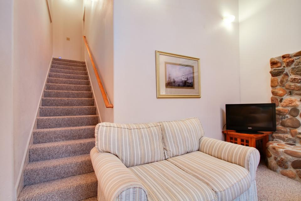 Taft Beach House - Lincoln City Vacation Rental - Photo 15