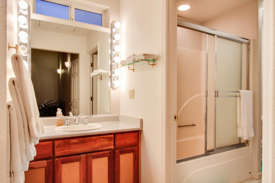 Taft Beach House - Lincoln City Vacation Rental - Photo 21