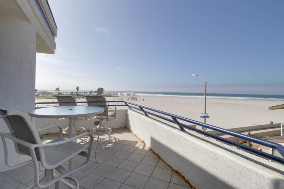 South Mission Oceanfront - San Diego Vacation Rental - Photo 6