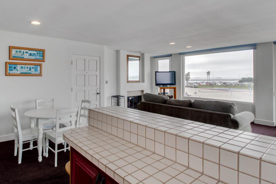 South Mission Oceanfront - San Diego Vacation Rental - Photo 9