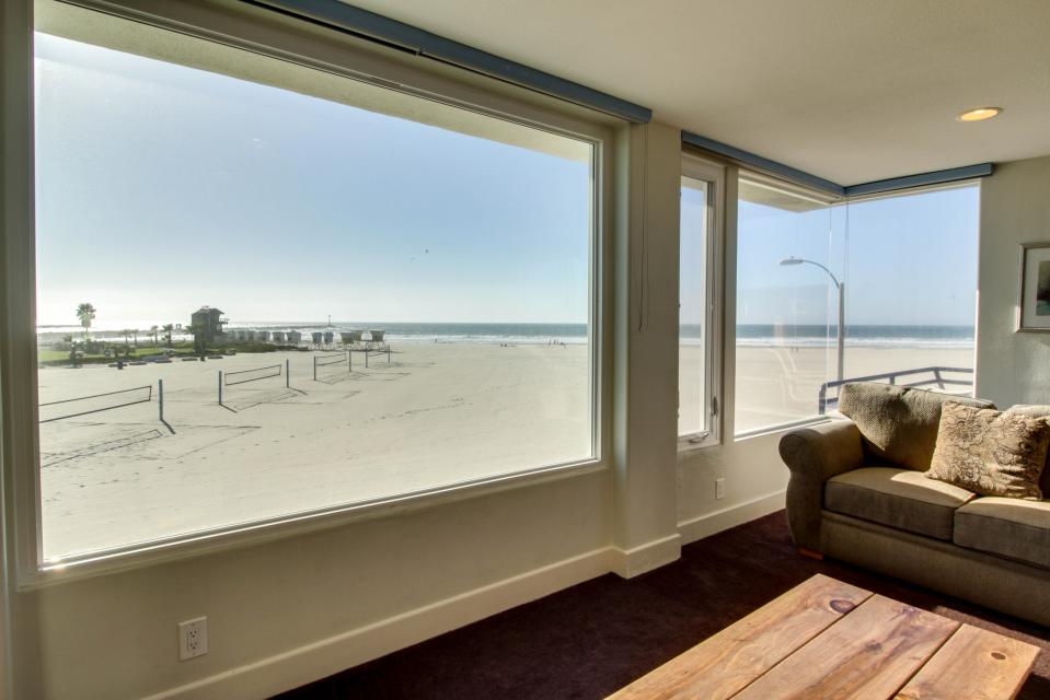 South Mission Oceanfront - San Diego Vacation Rental - Photo 4